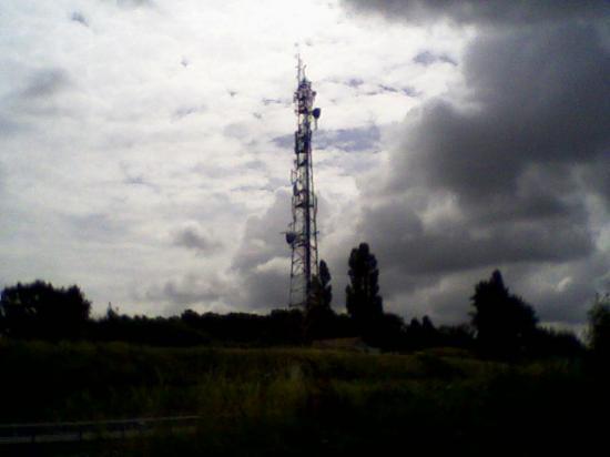 Pylône actuel de T.D.F. à Challuy (58000) au lieu-dit Le Vernay
